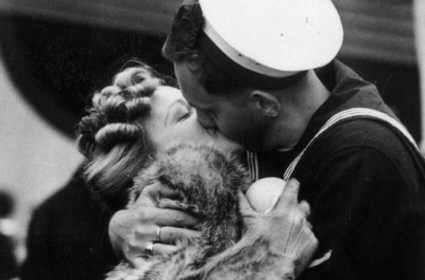 Besar en tiempos de covid: Dos de cada tres españoles reconoce que ahora es más exigente a la hora de dar un beso