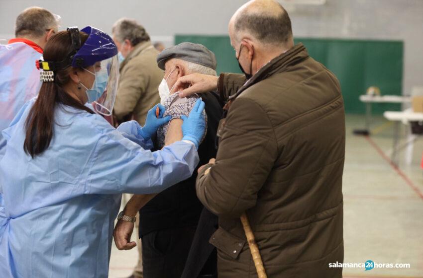 Calendario de vacunaciones en la provincia para este martes: Ciudad Rodrigo (80-86 años), Guijuelo (74-79 años), Tamames (mayores de 80) y Vitigudino (mayores de 80)