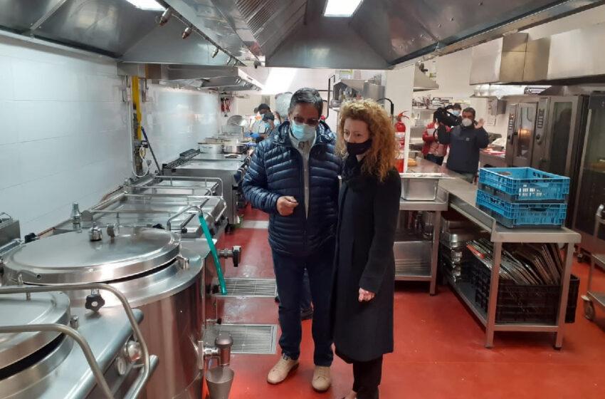 El servicio municipal de comida a domicilio estrena nuevas instalaciones que permiten elaborar hasta 2.000 menús diarios
