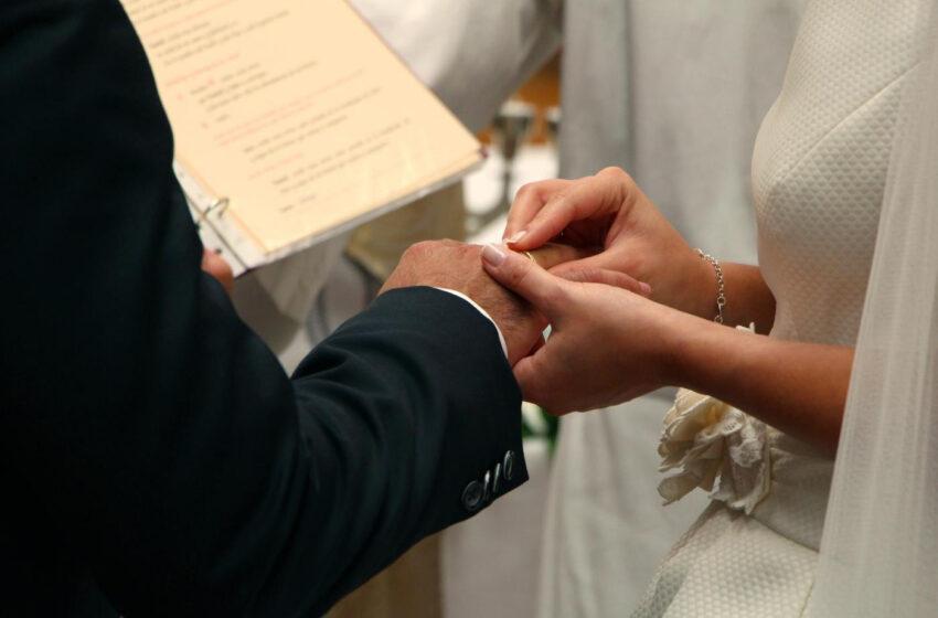 La Junta actualiza la guía de restricciones: no se puede saltar el toque de queda para ir a lugares de culto durante el Ramadán o ir a otra comunidad por una boda, bautizo o comunión