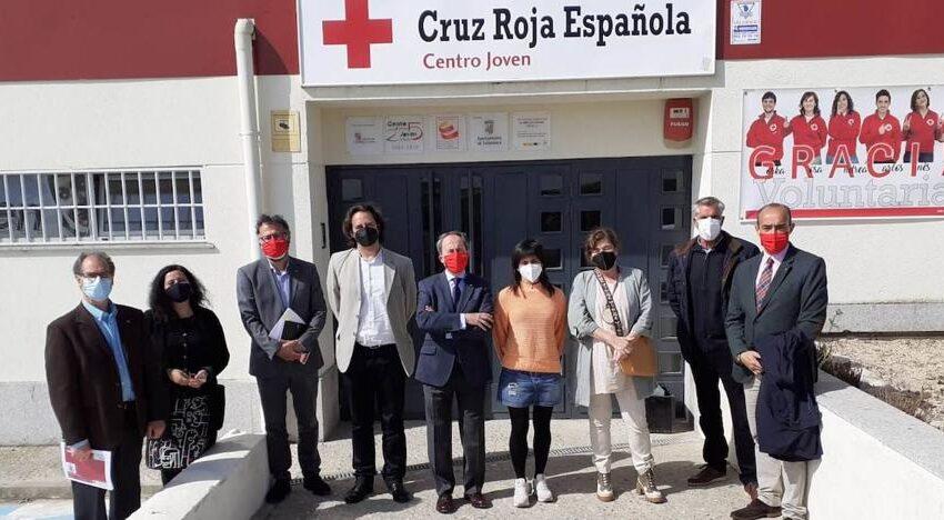 El Ayuntamiento de Béjar conoce las inquietudes de la sección de Juventud de Cruz Roja
