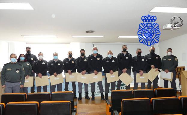 Imagen de los vigilantes distinguidos por su labor
