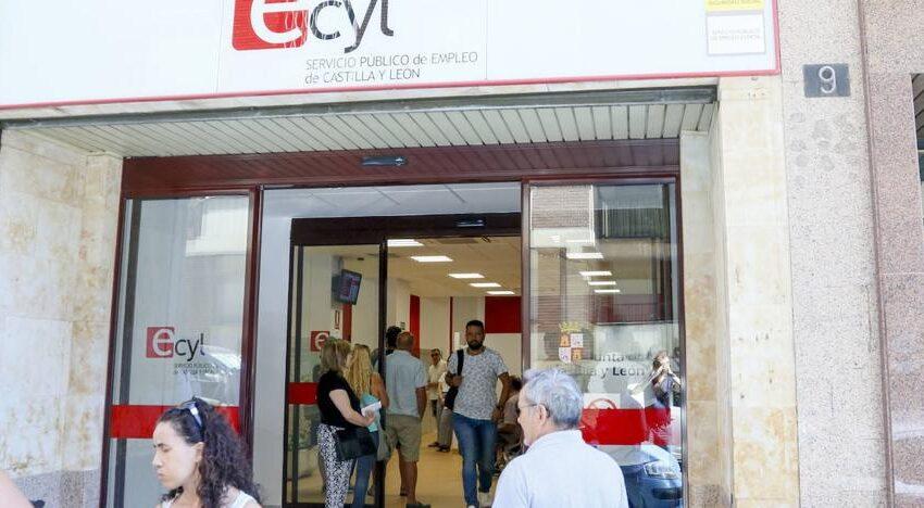 La vuelta al interior de la hostelería y la apertura de centros comerciales hace posible que el paro baje en Salamanca