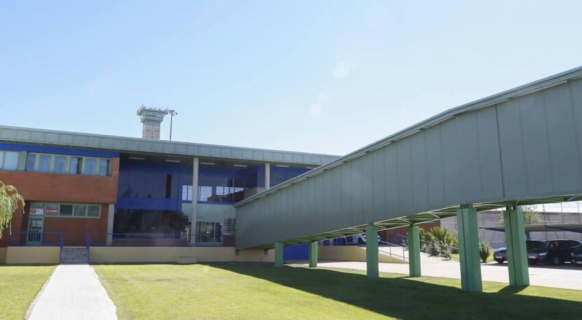 Acaip-UGT denuncia el traslado de 18 funcionarios de la prisión de Topas a otros centros penitenciarios