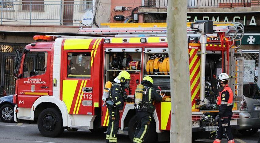 Una fuga de gas por la rotura de una tubería en una obras moviliza a los bomberos de Salamanca