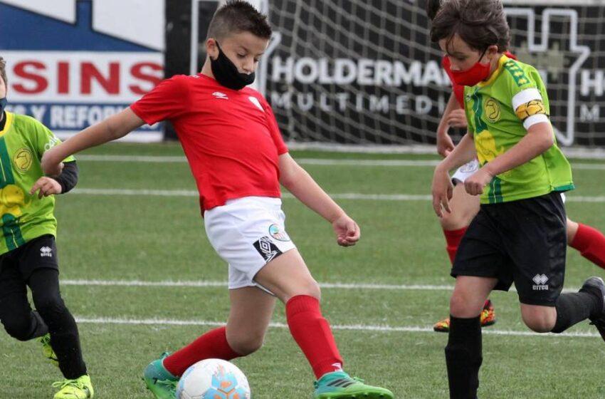 El 'bloqueo FIFA' al Salamanca deja las dos primeras 'víctimas' en la base