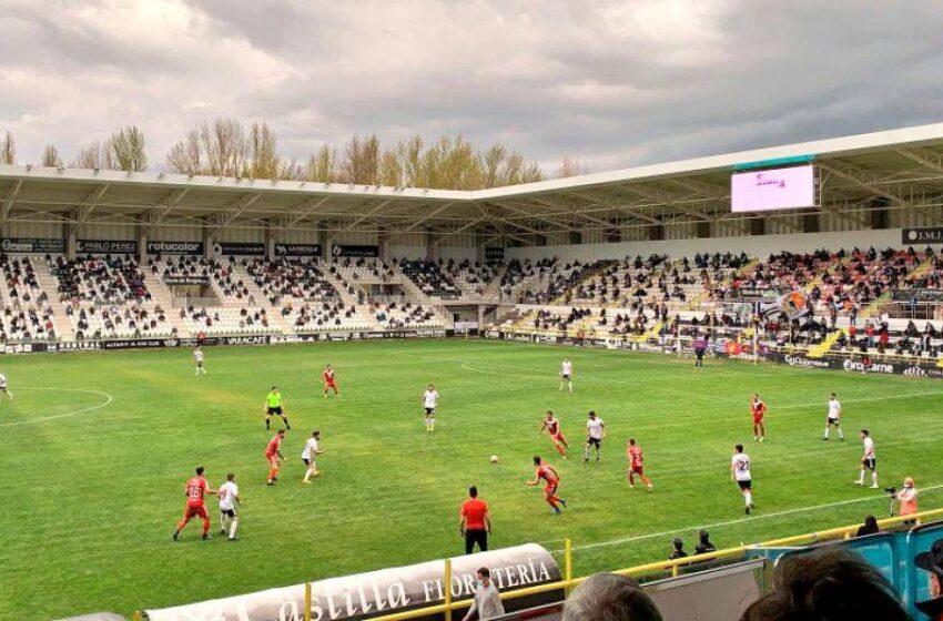 Mucho Burgos para un Unionistas que se aleja del sueño del 'playoff' de ascenso (2-0)