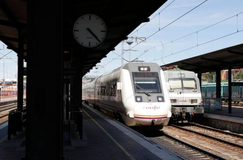 La agilización de la vía férrea a Portugal y la recuperación de los trenes perdidos, exigencias de Carbayo al Gobierno