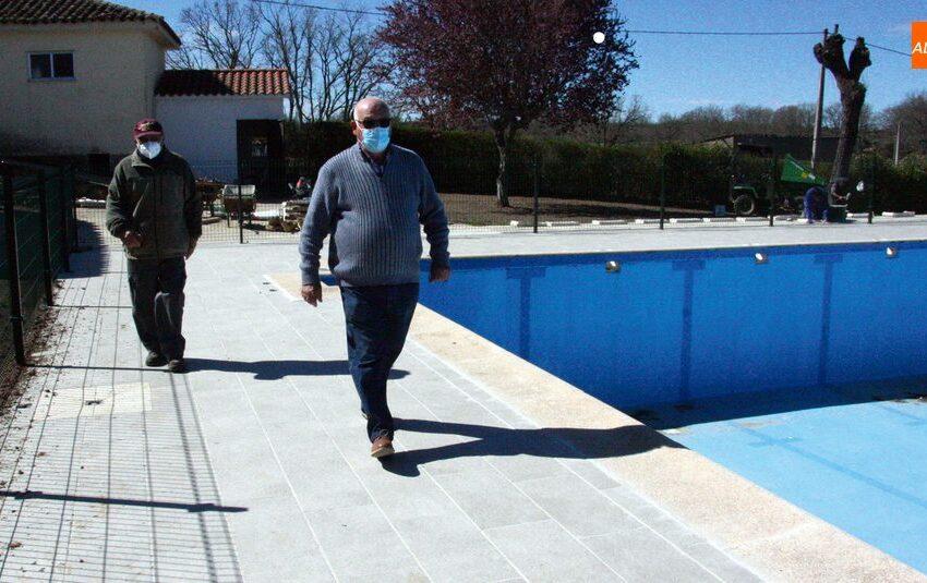 Repaso a las redes en varias calles y mejora de las piscinas municipales en Masueco