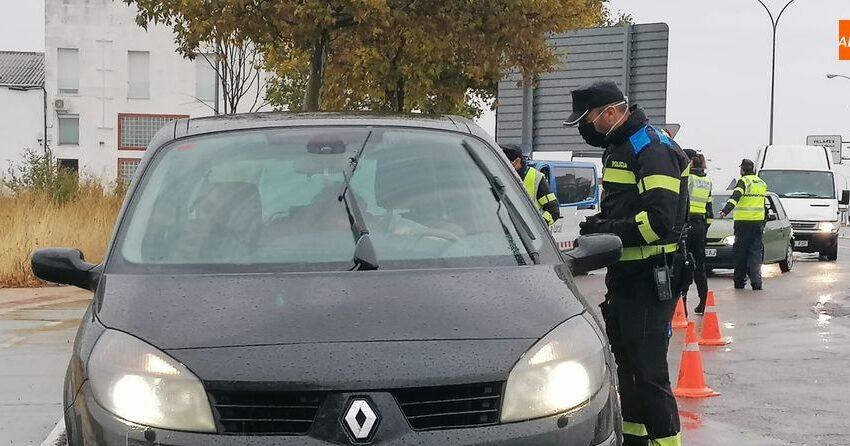 La mascarilla seguirásiendo obligatoria en el coche para no convivientes tras el estado de alarma
