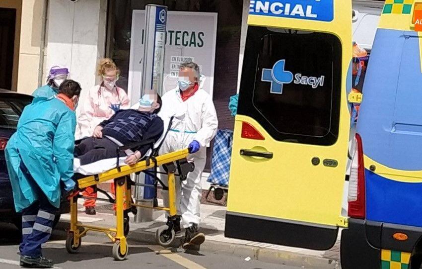 Evacuado al Complejo Asistencial un viandante indispuesto en la carretera de Ledesma