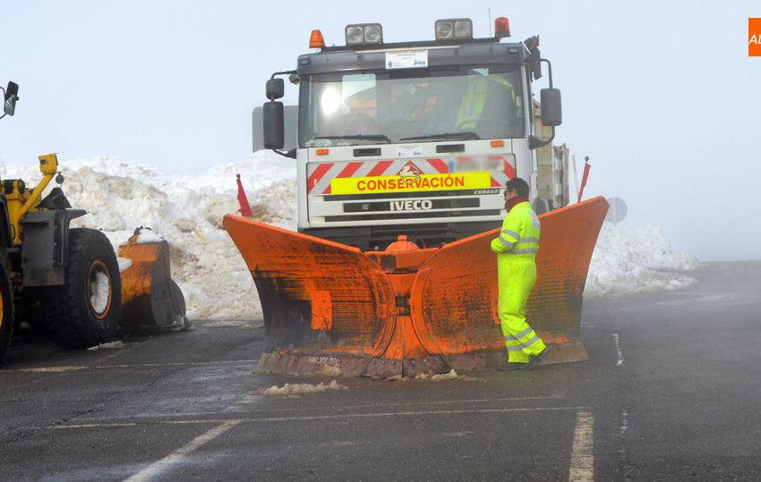 El Ayuntamiento prorroga el contrato de un camión quitanieves a pocos días del cierre de la estación de esquí