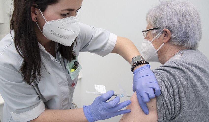 España administra 362.416 dosis de vacunas en las últimas 24 horas y roza las 11,5 millones en total