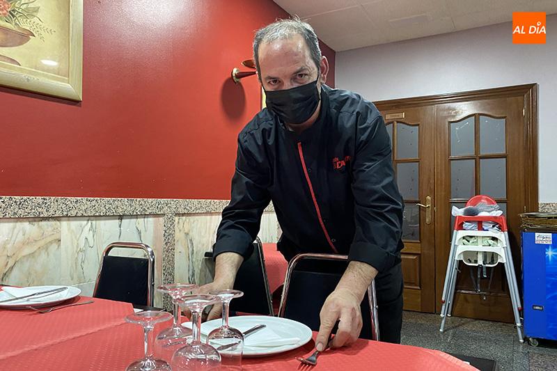 Mesón El Candil: La formúla perfecta en menús diarios, gastronomía casera y sus famosos pollos o paellas por encargo, para disfrutar del 'buen yantar'