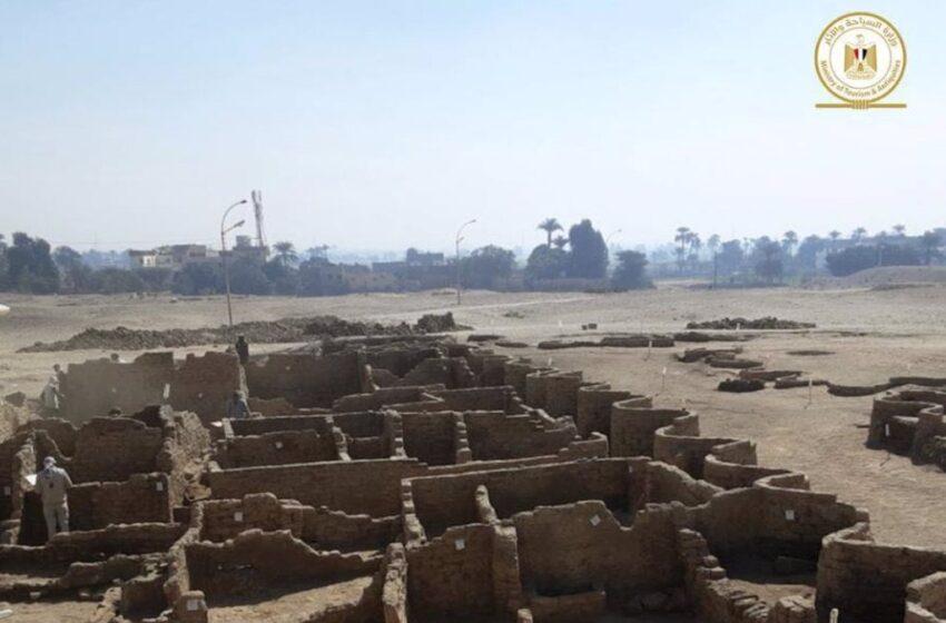 Egipto descubre una buscada ciudad perdida bajo el desierto