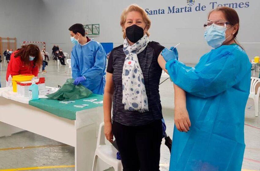Santa Marta aparca el miedo y el 77% acude a la vacunación con AstraZeneca