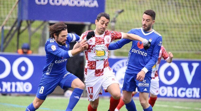 Nuevo palo para el CD Guijuelo que 'tira' un 1-3 ante un Covadonga que empató con dos penaltis (3-3)