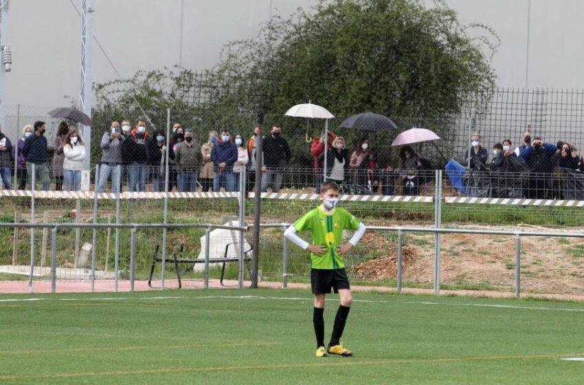 La Policía local patrullará por el entorno de los campos de fútbol base para evitar concentraciones