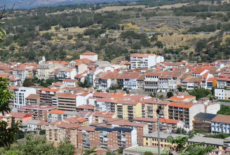El Ayuntamiento de Béjar quiere que los visitantes y veraneantes se lleven una buena impresión de la villa ducal