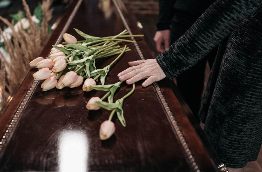 Andalucía, Castilla-La Mancha, Madrid, Galicia, País Vasco,… ya han vacunado al personal que trabaja en las funerarias al considerarlos de riesgo