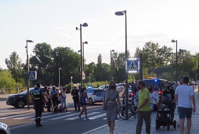 Una joven resultó herida al cruzar por un paso de peatones
