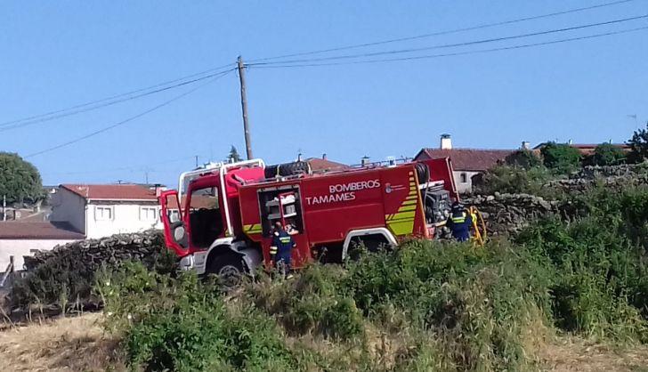 Los vecinos de Las Veguillas logran sofocar un incendio a las puertas del pueblo