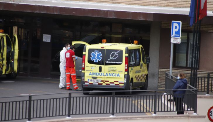 Una joven de 25 años, trasladada al Hospital después de un accidente en la rotonda del E.Leclerc