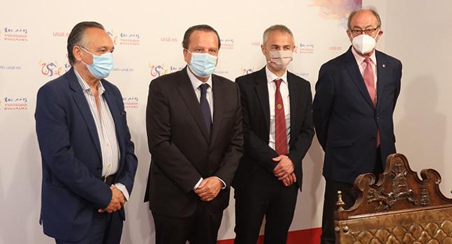 El rector, Ricardo Rivero, y el Pleno del Consejo de Cuentas presidido por Mario Amilivia mantuvieron un encuentro en la Universidad de Salamanca