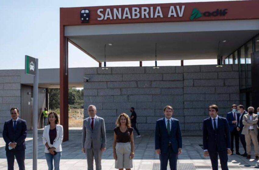 """Se inaugura la estación de AVE en Sanabria que según Mañueco, """"abrirá muchas puertas"""""""