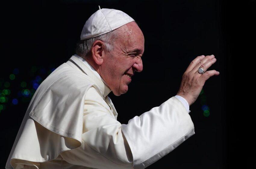 Concluye satisfactoriamente la operación del Papa por una estenosis diverticular sintomática del colon