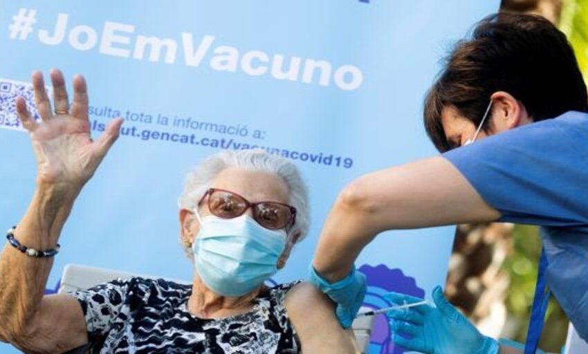 Las vacunas frente a Covid-19 también evitan la trasmisión del virus
