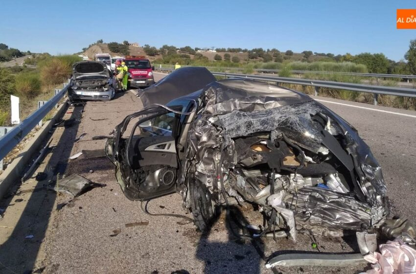 Muere un hombre arrollado por un camión en la A-62 mientras cambiaba una rueda