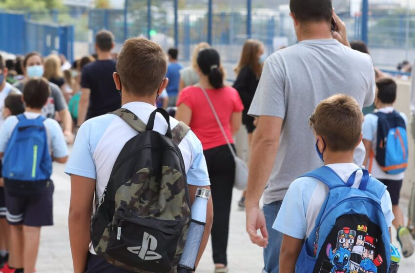 La OCDE destaca en un nuevo informe la alta tasa de repetición escolar y de desempleo en España