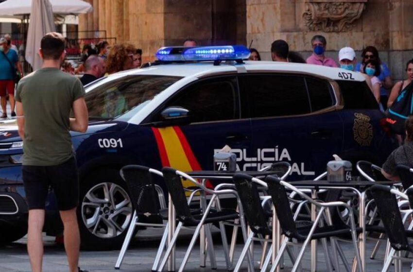 Una reincidente aprovecha para colarse en un restaurante cuando lo estaban limpiando y se lleva 150 euros 'solidarios'