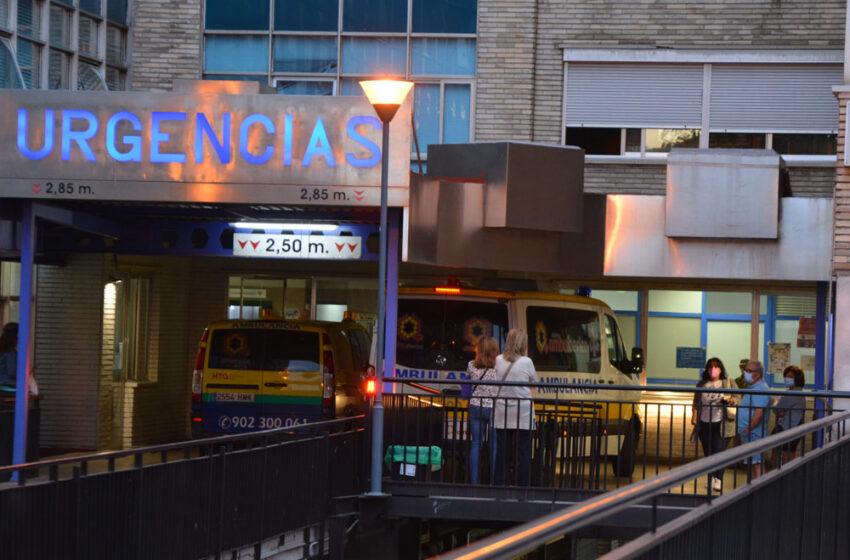 El bombero se precipitó de una altura de unos 6 metros y fue trasladado al hospital Virgen de la Vega